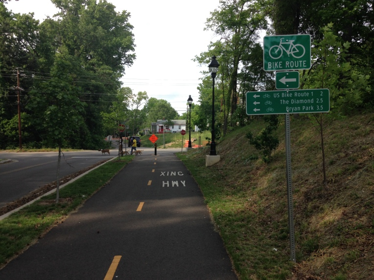 The trail is complete with bicyclists-oriented way-finding signage.